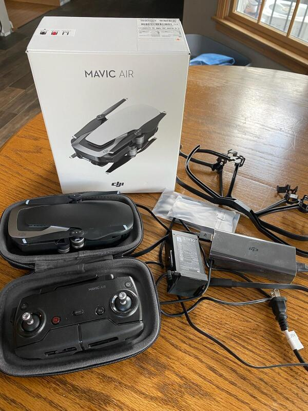 Barely used DJI Mavic Air package for sale Image #1
