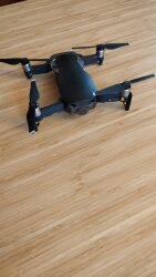 Mavic Air (Onyx Black) with remote controller + extra battery + battery car charger + polarpro shutter filters Image #4