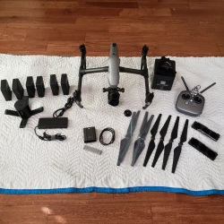 DJI Inspire 2 Bundle Excellent Condition less than 10 hrs flight time Image