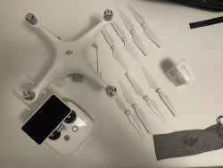 Phantom 4 Advanced with pro Controller Image