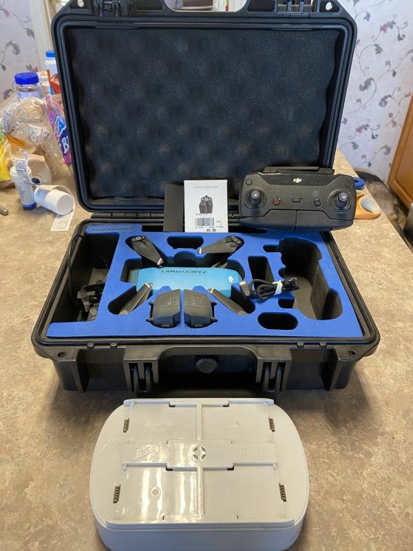 DJI Spark quadcopter Bundle - Aircraft, Controller, 3 batteries, custom cDJI Spark quadcopter Bundle - Aircraft, Controller, 3 batteries, custom chargerharger Image #1
