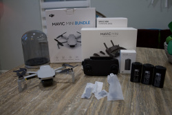 *Like New* DJI Mavic Mini Bundle with 3 Batteries and Charging Base Image