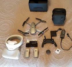 Mavic fly more combo and goggles, with case. Image
