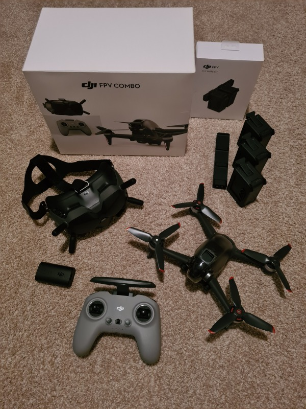 DJI FPV COMBO with Fly More Kit Image #1