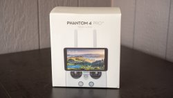 DJI Phantom 4 Pro/Adv Remote Controller with Built-in Screen Image