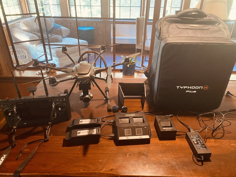 Gently used Yuneec Typhoon H plus for sale. Originally $1850 asking $550 Image #1