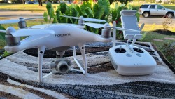 Very Nice Hardly used and Like New……..Phantom 4 Pro v1 with hard case. Still has stickers on the drone. Image #4
