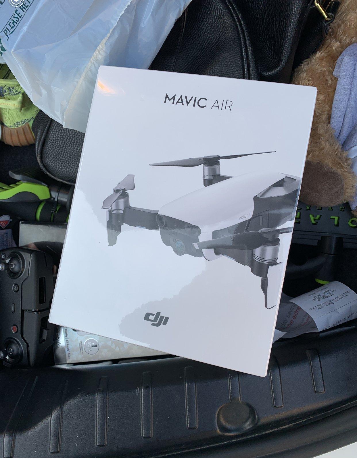 Mavic air brand new in box Image #1